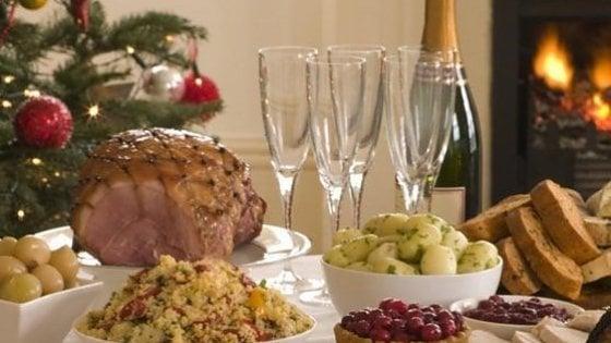Dalla baby sitter allo chef a domicilio: le soluzioni last minute per il Capodanno perfetto