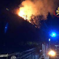 Varese, notte di fuoco a Campo dei Fiori