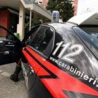 Varese, sotto casa della ex con alcune bottiglie di acido: 40enne arrestato per stalking