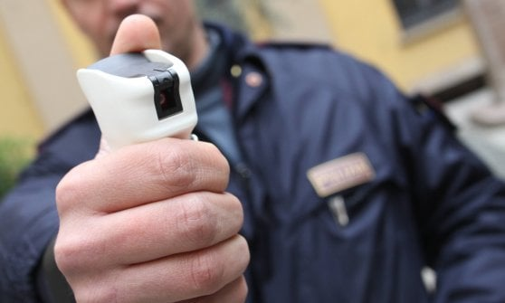 Milano, in arrivo lo spray al peperoncino per gli agenti della polizia locale