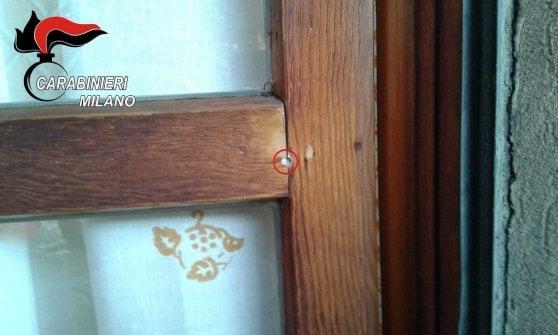 Spara per anni alla finestra del vicino per uccidere i piccioni: a Milano denunciato un 70enne