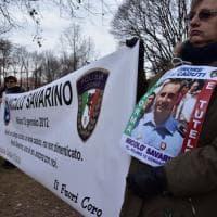 Milano, gilet gialli e proteste alla commemorazione del vigile ucciso