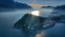 La perla del Lago di Como ripresa dal drone: a Bellagio l'alba è un incanto