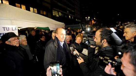 Casapound, anche Bersani in piazza contro il convegno a Sesto San Giovanni