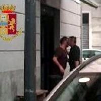 Rapinarono 200 orologi da un'oreficeria di Milano: arrestato un pizzaiolo, il suo capo e un complice