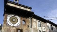 L'orologio planetario che da 400 anni viene caricato a mano: a Clusone la sfida per inserirlo tra i siti Unesco