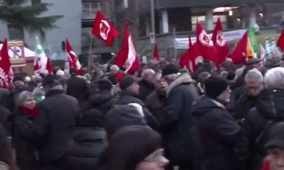 """Sesto San Giovanni: """"No ai fascisti del terzo millennio"""", la manifestazione contro il raduno di Casapound"""
