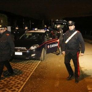 """Cadavere di donna carbonizzato nelle campagne del bresciano, la procura: """"Ipotesi omicidio"""""""