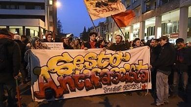 """""""No ai fascisti del terzo millennio"""", Sesto    in piazza contro Casapound  ·     Foto      · Video"""