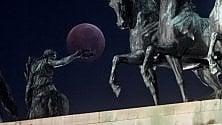 Super luna rossa: anche a Milano l'eclissi dà spettacolo
