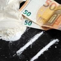 Varese, nascondeva la cocaina nei calzini: arrestato spacciatore