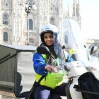 L'e-commerce guida la svolta di Poste Italiane: bauli più grandi su motorini