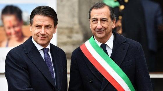 """Prima visita ufficiale di Conte a Milano, vertice con Sala: """"Olimpiadi benvenute, ma dal governo niente fondi"""""""