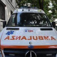 Brescia, ingrana per errore la marcia: travolge e uccide la moglie