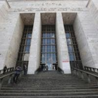 Il tribunale di Milano ordina: il Comune riconosca il figlio di due papà