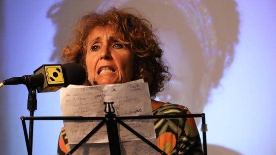 """""""Sgozzate quella comunista e parassita"""": messaggio in diretta contro consigliera Pd di Milano che denuncia l'autore"""
