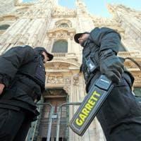 Controlli antiterrorismo al Duomo di Milano, si cambia: ecco i vigilantes privati al posto dell'Esercito