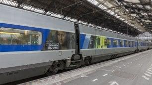 Il genio di Leonardo viaggia  sul treno Parigi-Milano: un  Tgv speciale per i 500 anni        · Ft      Monna Lisa sulla livrea