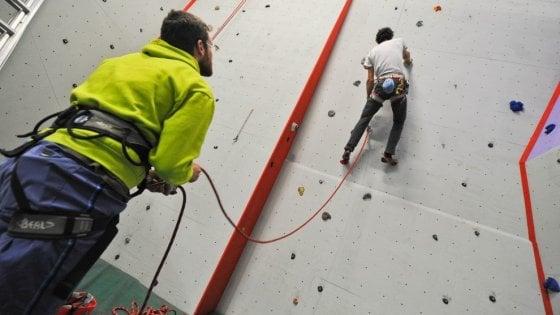 Parete Scalata Roma : Sondrio 11enne cade dalla parete per larrampicata a scuola durante