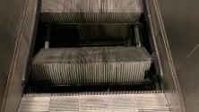 Cede un gradino delle scale mobili: paura in metropolitana a Loreto