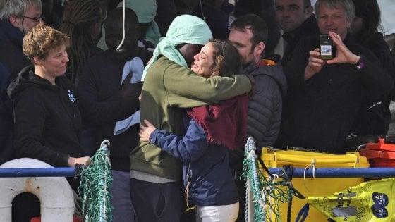 Milano, nasce il registro dei richiedenti asilo: mitigherà gli effetti del decreto Salvini