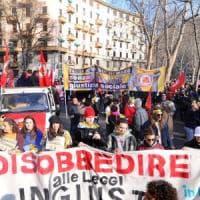 Decreto sicurezza, in migliaia in corteo a Milano: