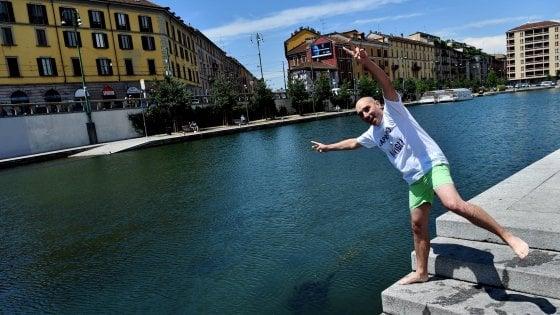 Dalle magliette 'made in China' all'obbligo di canzoni italiane: ritratto del leghista Alessandro Morelli