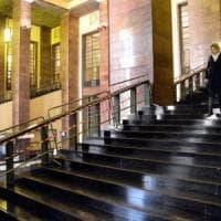 Avvocato caduto dalle scale del tribunale di Milano: 300 transenne della