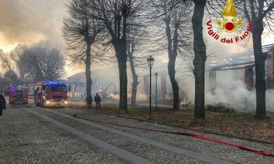 Risultati immagini per Incendio devasta una cascina a Morimondo