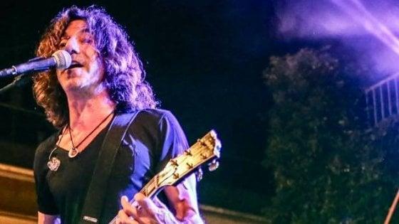 La denuncia del chitarrista di Vasco Rossi: