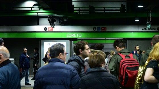 Milano, brusca frenata sulla M2 a Loreto: un ferito e contusi, circolazione ferma per oltre un'ora