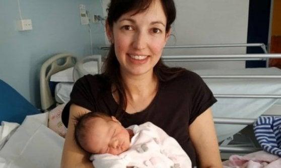 Mamma di 11 figli a 39 anni, ancora un caso nel Comasco: ecco Lidia con il piccolo Filip
