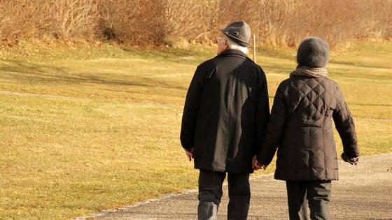 Varese, incassa per 23 anni la pensione del vicino morto: ecco come la donna ha beffato l'Inail