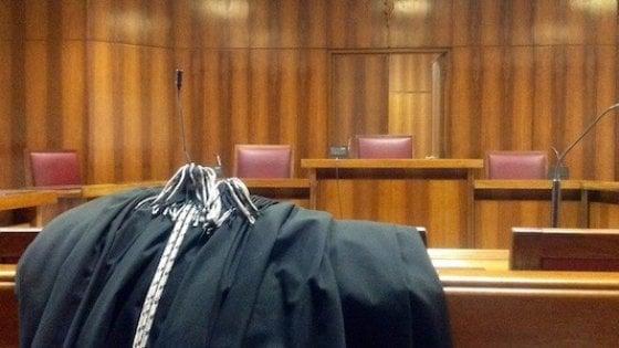 Bergamo, manca l'interprete cinese in tribunale: il giudice recluta per strada un ragazzo che passava di lì