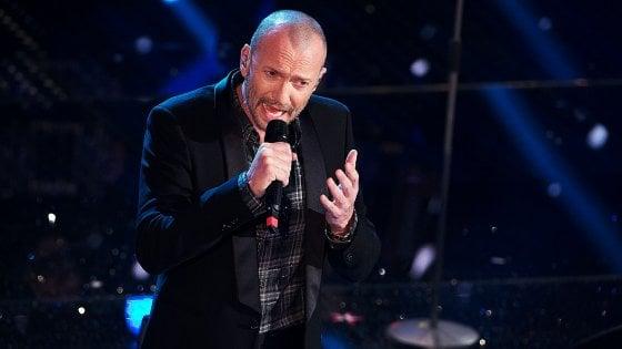 """""""Biagio Antonacci ha copiato la mia canzone"""": musicista denuncia per plagio il cantante"""