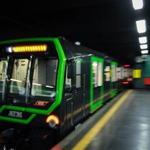Milano, nuova brusca frenata su un treno della M2: due feriti a Cassina de' Pecchi