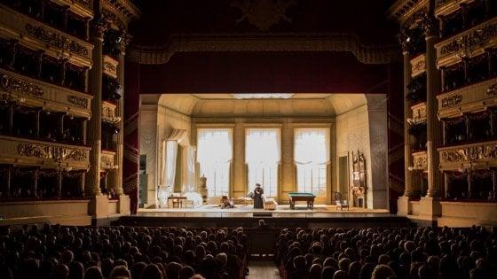 Traviata, Domingo conquista ancora la Scala e  grazie a lui convince anche Violetta
