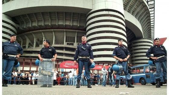 Inter-Eintracht a San Siro, massima allerta: in arrivo 400 ultrà senza biglietto. Più di mille agenti per i controlli