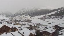 Primavera in arrivo, ma a Livigno torna la neve: gli scatti da cartolina