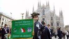 La fanfara degli alpini  in piazza Duomo: prove generali della festa