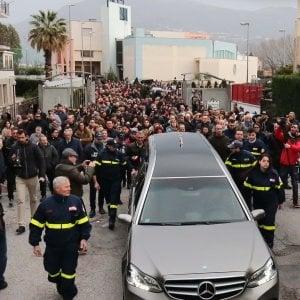 """""""Niente cortei funebri, troppo pericolosi"""": a Lecco vietato accompagnare i defunti al cimitero"""