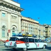 L'auto dei Ghostbuster sfreccia per Milano: Cattelan svela il mistero su