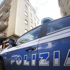 Donna trovata morta in casa, indaga la polizia