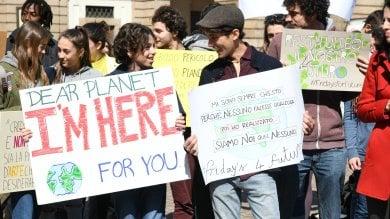 Foto  FridaysForFuture, si torna in piazza: lezione all'aperto sullo spreco di cibo