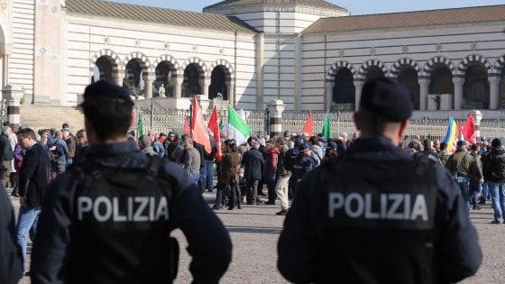 Il centenario del fascismo al cimitero monumentale, proteste contro la commemorazione