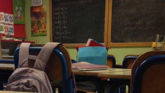 """Bagni sporchi a scuola, la preside istituisce il """"registro della pipì"""""""