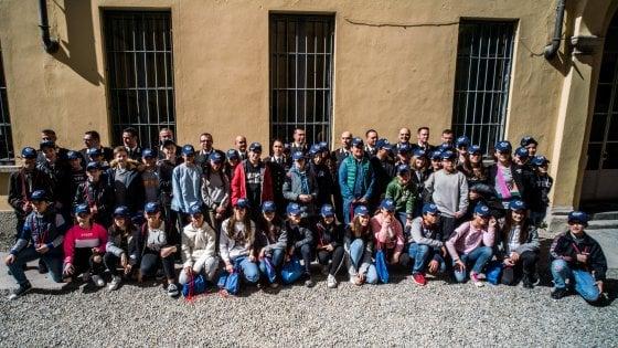 """I 138mila Rami delle scuole lombarde che aspettano la cittadinanza: """"Noi stranieri solo sulla carta"""""""