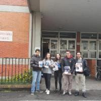 Lega volantina fuori dal liceo a Voghera, la preside diffida i militanti:
