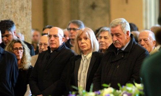 Funerali di Cesare Cadeo, folla di amici e parenti alla Basilica di Sant'Ambrogio