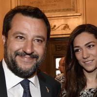 Salvini e la nuova fidanzata Francesca Verdini debuttano alla Scala: mano nella mano al gala per il Salone del Mobile